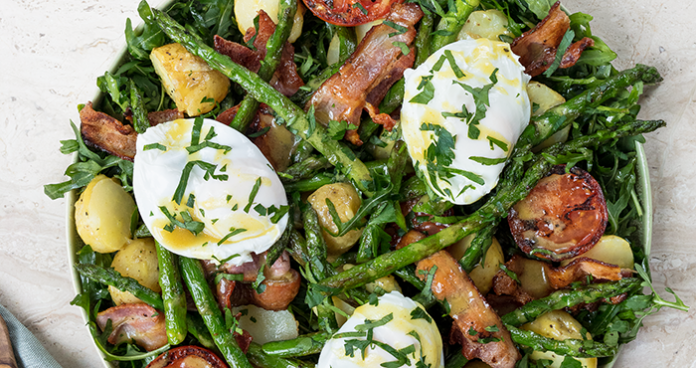 Asparagus_Poached_Egg_Salad_