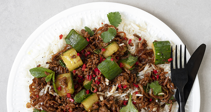 Spicy beef and crushed cucumber stir-fry Easy Food
